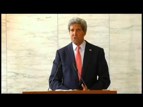 Secretary Kerry Delivers Remarks With Italian Foreign Minister Bonino
