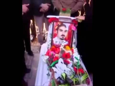 Iran Kermanshah 17 March 2011 - 'Yar-e Dabestani-e Man' song at  Kianoosh Asa´s grave