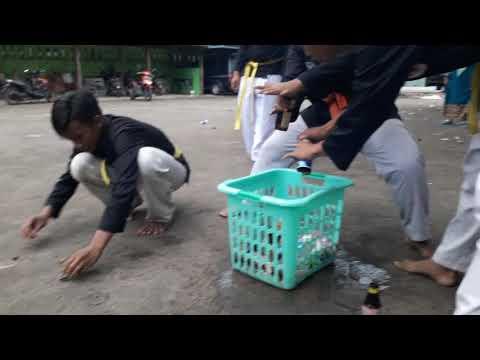 Latihan Pemecahan Botol Menggunakan Tangan. PS. Bhakti Persada Indonesia