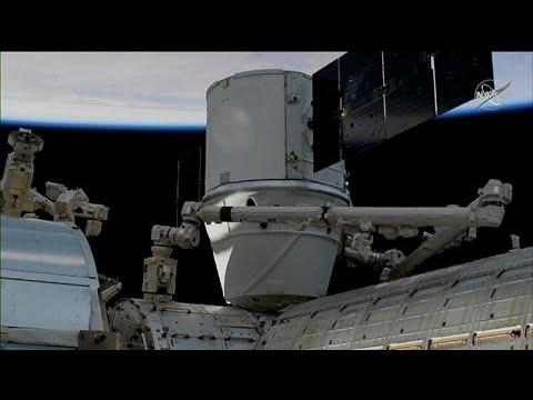 ما هي هدايا رواد الفضاء خلال أعياد الميلاد؟  - نشر قبل 19 ساعة