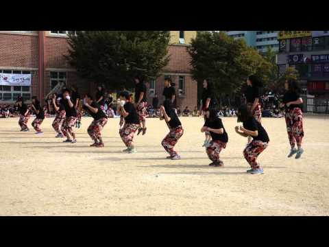 Korean Middle School Sports Day Dance 5