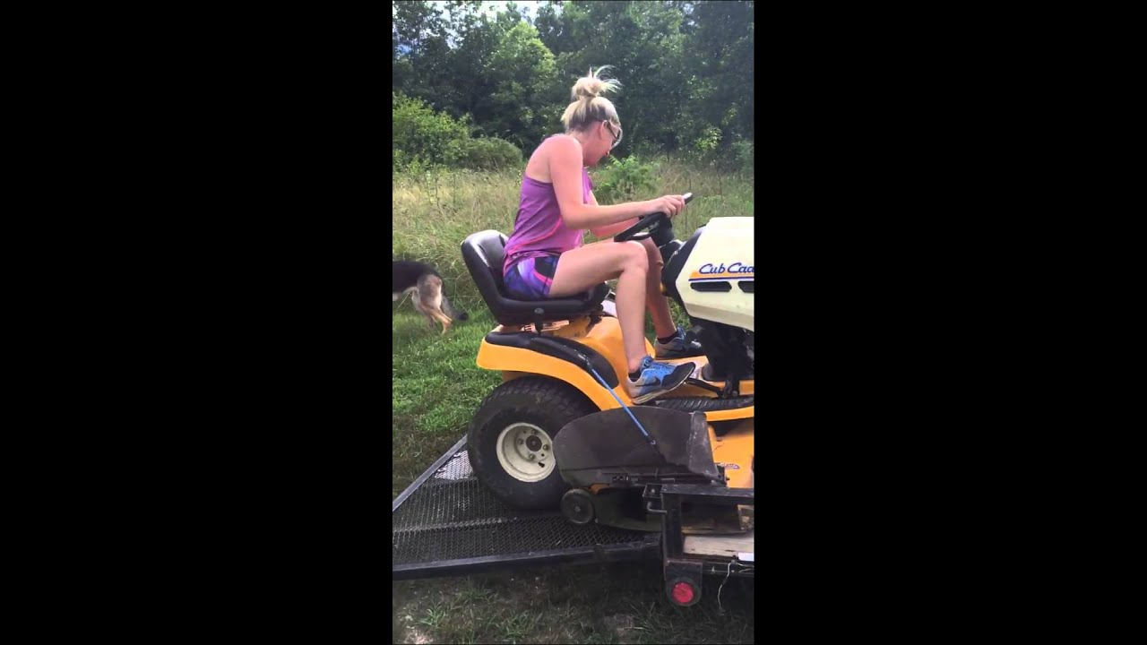 Topic naked woman on riding lawnmower did not