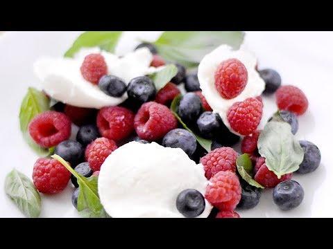 salade-de-fruits-rouges-et-mozzarella
