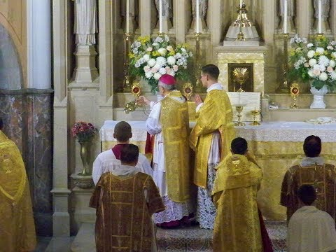 Solemn Pontifical High Mass by Bishop Gainer 4/24/18 | St. Lawrence, Harrisburg, PA