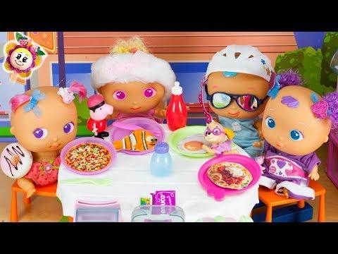 PEPPA PIG, PINYPON Y SUS BEBES van al restaurante NENUCO de PATRULLA CANINA y abren bolas sorpresa!