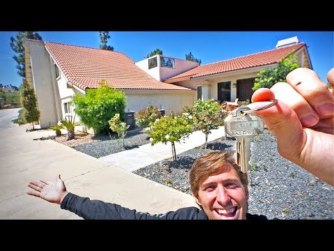 BOUGHT MY BROTHER A HOUSE! *MOVING IN*