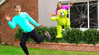 Download SCARING STEPHEN SHARER OUT OF SHARER FAM HOUSE!! (Giant Teddy Bear Prank)