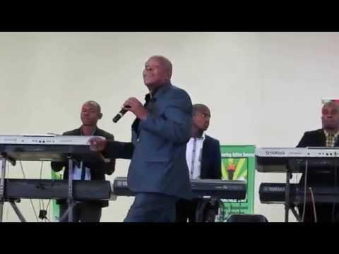 Teboho singing Re ya ho leboha in Tumahole, Parys
