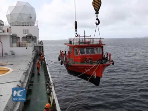 China's icebreaker Xuelong unloads supplies in Antarctica