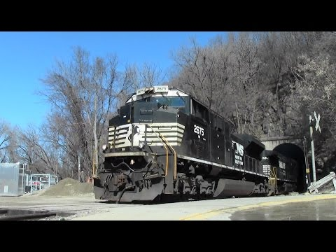 NS Ethanol Train Pops out at the CN East Dubuque Tunnel East Dubuque, IL