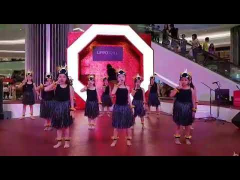 Yamko rambe yamko kids dance in lippo mall.