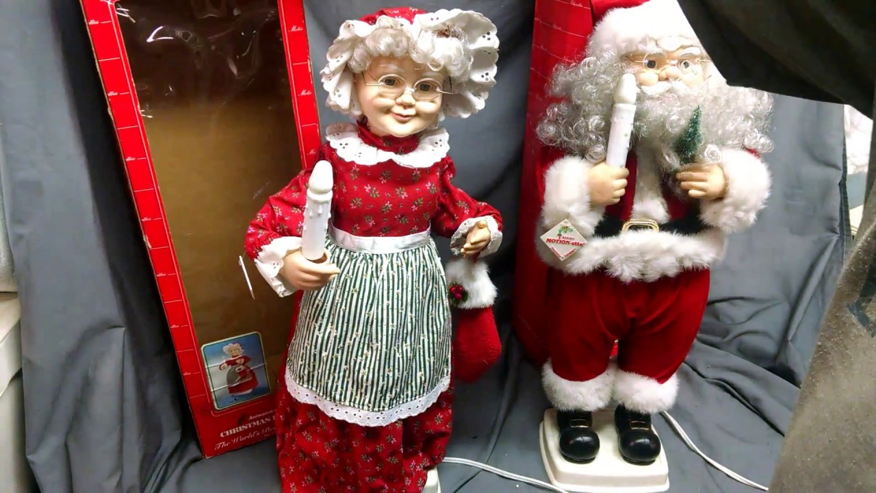 Vintage 1996 Elco 24 Santa Mrs Claus Animated Illuminated