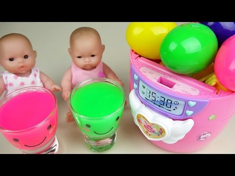 Baby doll and Surprise eggs Cooker kitchen toys play with Color slime