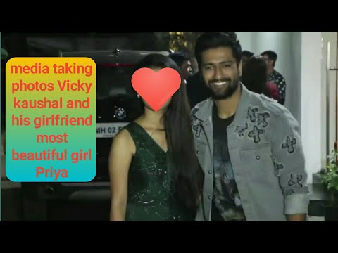 Uri success party attendes Vicky kaushal's girlfriend Priya, Katrina,Varun Ranveer singh many stars. Mp3