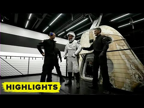 Hatch Open! Watch SpaceX Inspiration4 Crew Exit Dragon Capsule