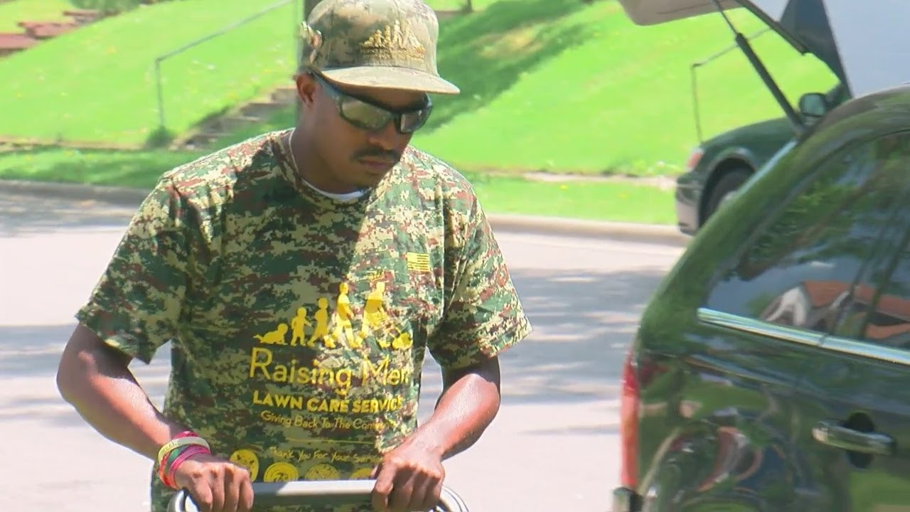 Black Man Continues to Mow Lawns For Veterans Stops In Minnesota