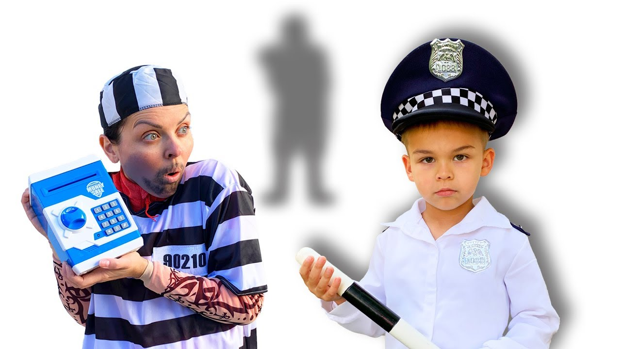 Dima pretend play police - bank safe is gone