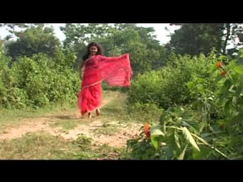 Phul pulo kammal ko paani maathi(maya)-Nepali Romantic song