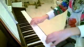 """Игра ан фортепиано. Произведение : """"К Элизе""""."""
