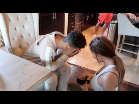 GIRLFRIEND PROPOSES TO BOYFRIEND PRANK!!!