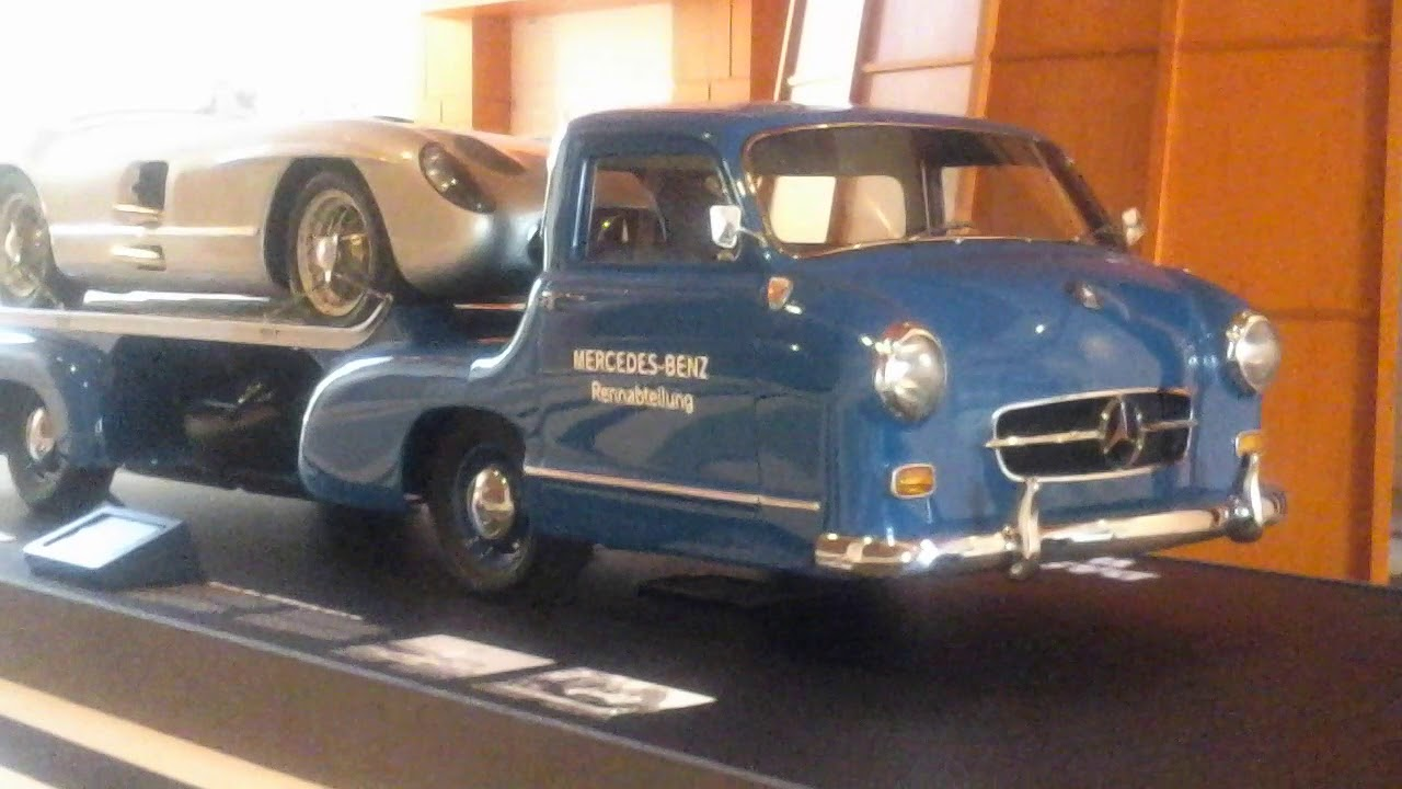 Mercedes Renwagen And Mercedes 300 Slr At The Silver Arrows Display