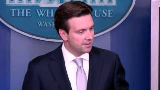 wh press secretary asked if obama still thinks isis is a jayvee team