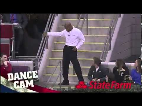 Dancing usher sends the crowd wild at Pistons game