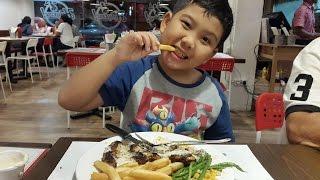 Eat Delicious Steak In Holycow - Culinary In Harapan Indah Bekasi