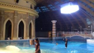 Съёмки сериала Универ в Карибии. Гелиокуб с короткими юбками.