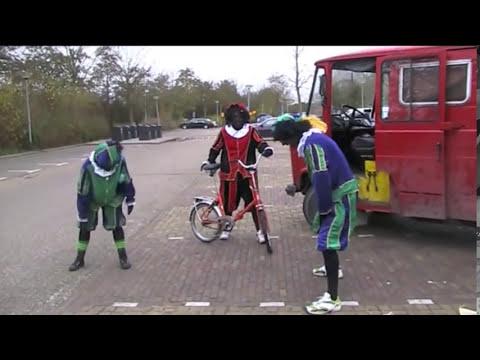 Zwarte Piet en de BUS van Sinterklaas