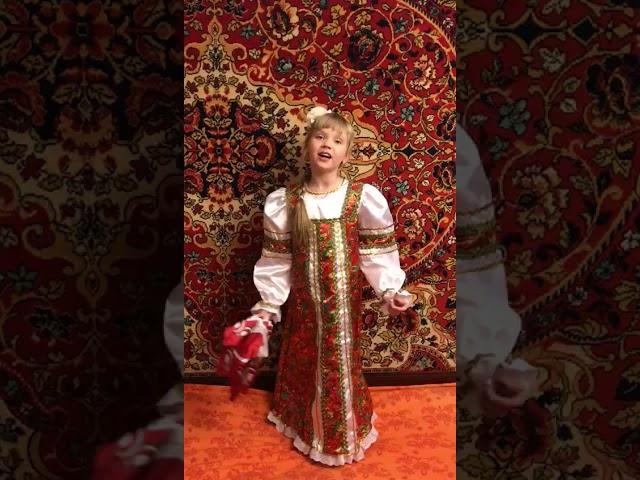 Изображение предпросмотра прочтения – ВероникаКокуркина читает произведение «Песня Калинка» (Русский фольклор )