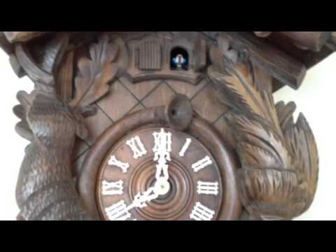 Vintage Kurtzmann Hunter Cuckoo Clock with Wooden Animated Bird (Regula Cooperative) from YouTube · Duration:  1 minutes 49 seconds