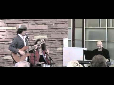 Menina - The Shy Birds and Victor Mestas