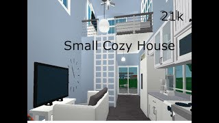 ROBLOX-Bloxburg: Small Cozy House Speed Build idk how much it's costs srry