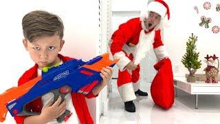 Дед Мороз Не Настоящий Пытался Обмануть Сеню и Забрать Все Игрушки Видео Для Детей