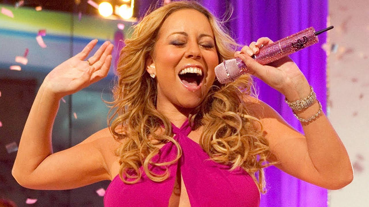 Mariah Carey Hitting HIGH Notes With A Relaxed Face!
