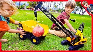 RC CRANE TRUCK FOR CHILDREN UNBOXING! (Axel Show Construction Trucks)