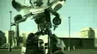 Робот трансформер танцует просто класс!!!