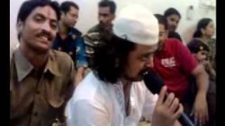 Raja Hasan singing Dil Aaj Shayar Hai