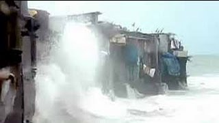 Houses in Mumbai where sea waves splash as far as into the living rooms