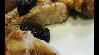 Свинина запеченная в духовке с черносливом. Свинина с овощами