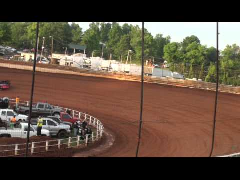 Lucas Oil Late Models Hot Laps Group 1 @ Tazewell Speedway 05/29/15