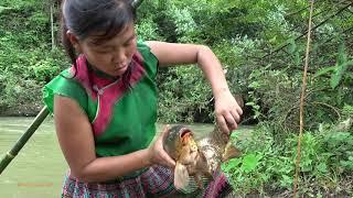 Primitive Life: Smart Girl's Fishing Catch Big Carp At River - Cooking Big Fish For Food