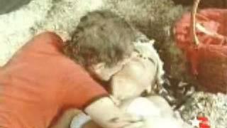 Repeat youtube video Aydemir Akbaş Nükhet Duruya karşı (Ayıkla beni Hüsnü filminden)