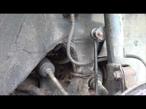 Замена передних стоек стабилизатора Toyota RAV4 `03