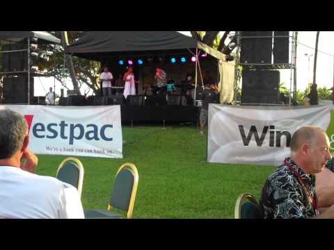 Fiji Jazz and Blues 2011 - Laisa Vulakoro and her band with Warwick Murray