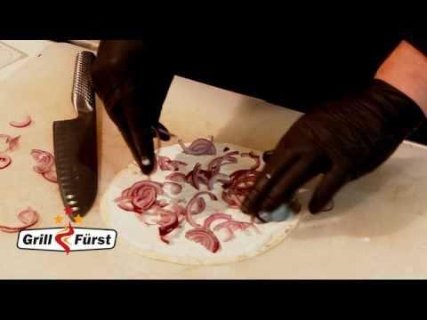 Flammkuchen Weber Holzkohlegrill : Grillfürst grillschule flammkuchen vom grill youtube