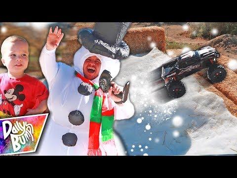 RC Car Snow Tricks! ❄️