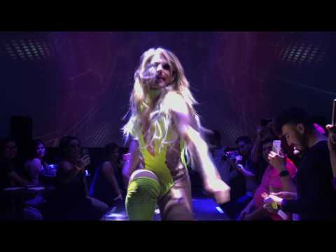 Derrick Barry as Britney Spears feat. Nebraska Thunderfvck Live @ Vogue Monterrey Sissy That Show