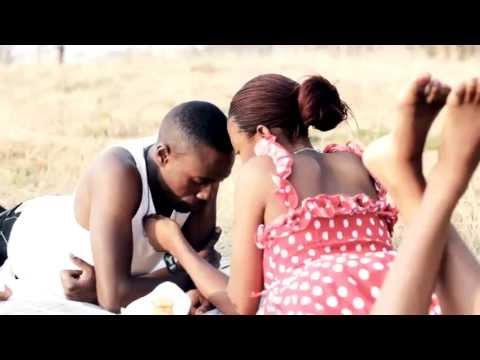 Roberto - Eponaba (Official Video)